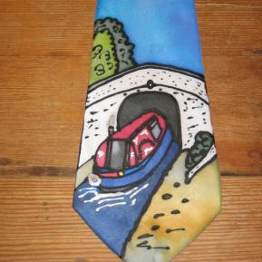Tie Canal Boat